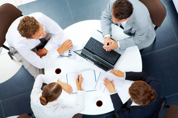 company-keyboard-teamwork-together-interaction 1098-5864